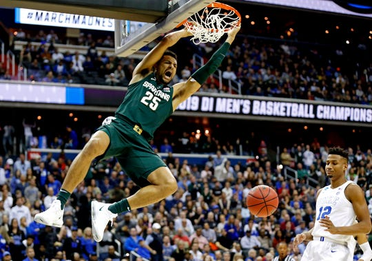 Michigan State forward Kenny Goins (25) dunks the ball against Duke during the East Regional final of the 2019 NCAA tournament.