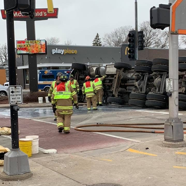 Milk tanker truck overturns during four-vehicle crash in Menasha