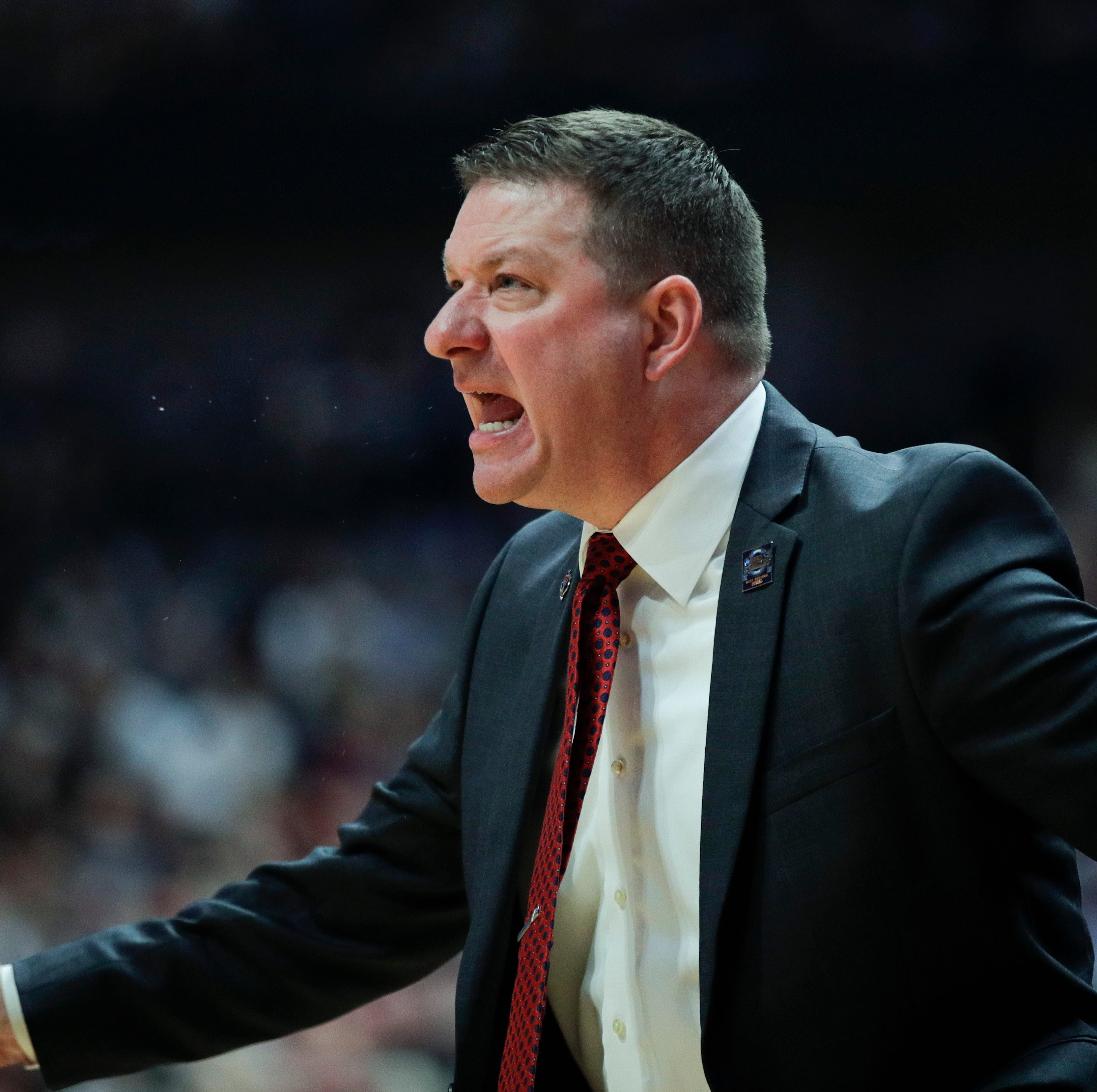 Texas Tech's Chris Beard admires Tom Izzo and Michigan State, won't let team be cowed by Spartans