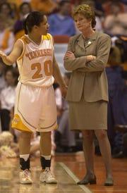 Kara Lawson talks with Lady Vols coach Pat Summitt.