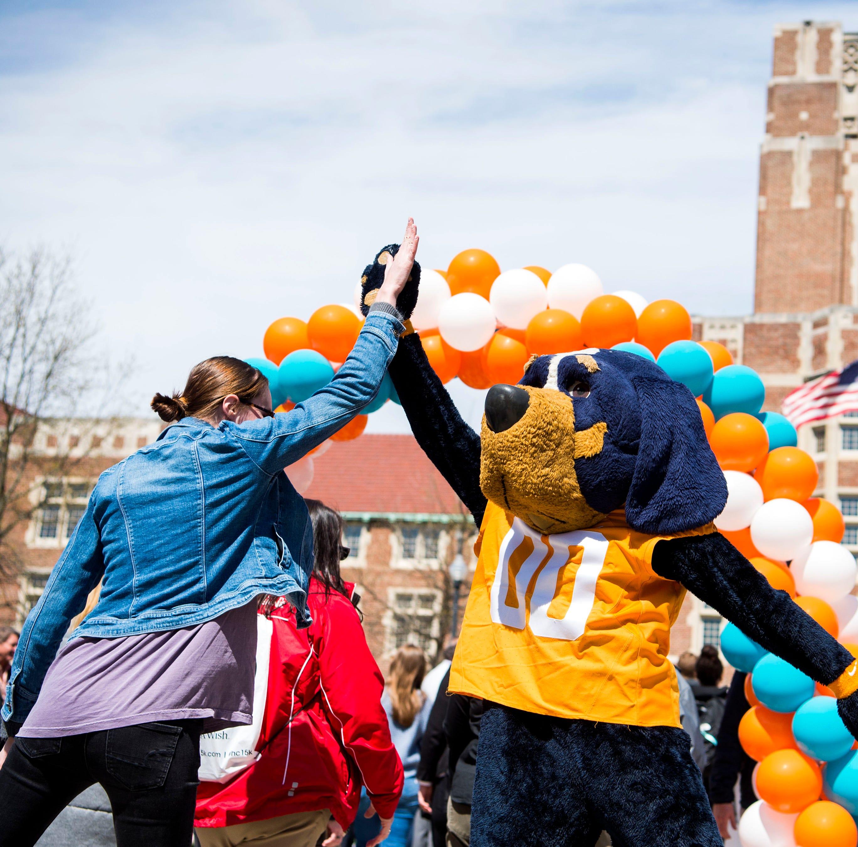 Tennessee Vols' Big Orange Caravan of coaches, Phillip Fulmer shelved for mascot tour