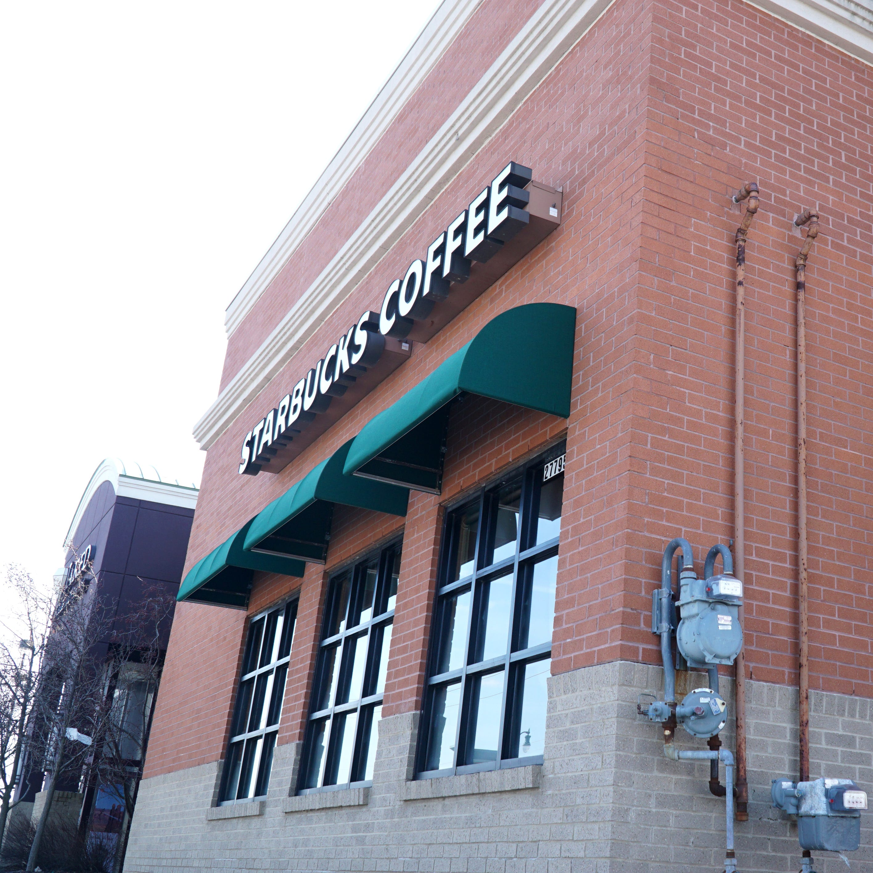 Novi Starbucks making it easier to get coffee on the go with new drive-thru