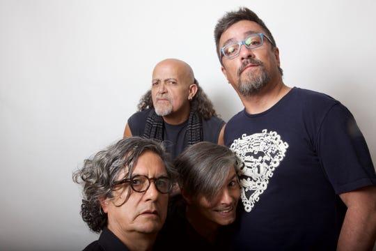Armando Vega Gil (el primero de abajo) era un rockero muy reconocido, fundador del grupo Botellita de Jerez.