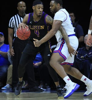 LSUS's Jeff Guard drives to the bucket in a past Pilots' game.