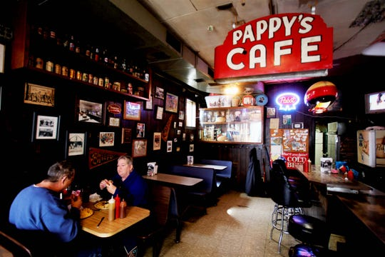 Lawrence and Pattie Berry, of Springfield, enjoy lunch at Pappy's Place April 1, 2019.