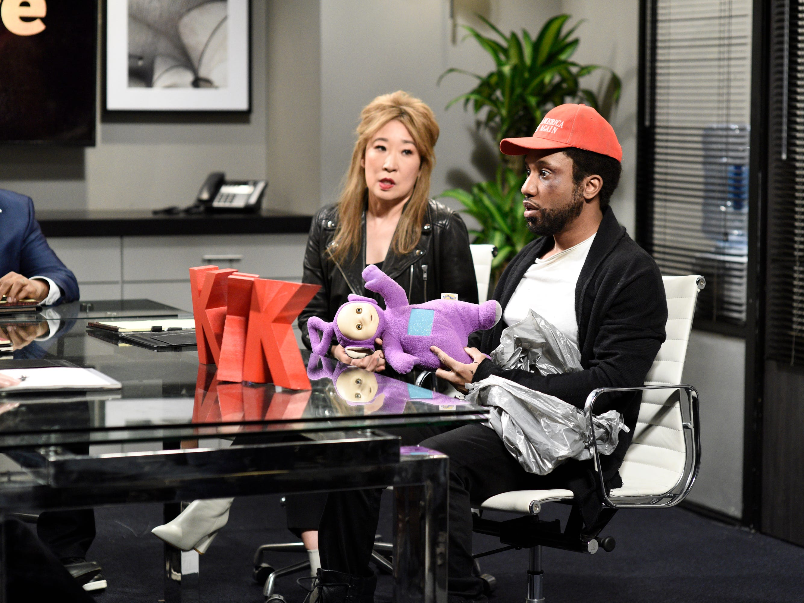 "The show also looked at the recent news about ""Empire"" actor Jussie Smollett with Chris Redd as Jussie Smollett and host Sandra Oh as the actor's manager."