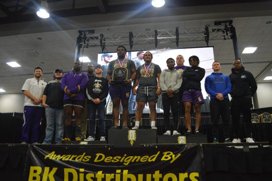 The Alexadnria Senior High powerlifting team won the men's equipped national title at the 2019 USA Powerlifting High School National Championships this weekend.