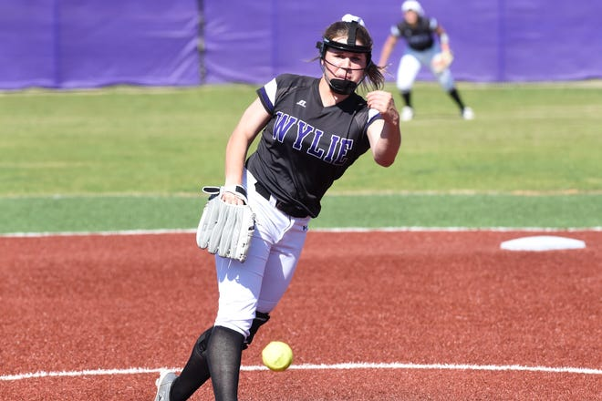Wylie's Kaylee Philipp (3) lets go of a pitch against Cooper on Friday, March 29, 2019. The Lady Bulldogs held on to win 6-5.