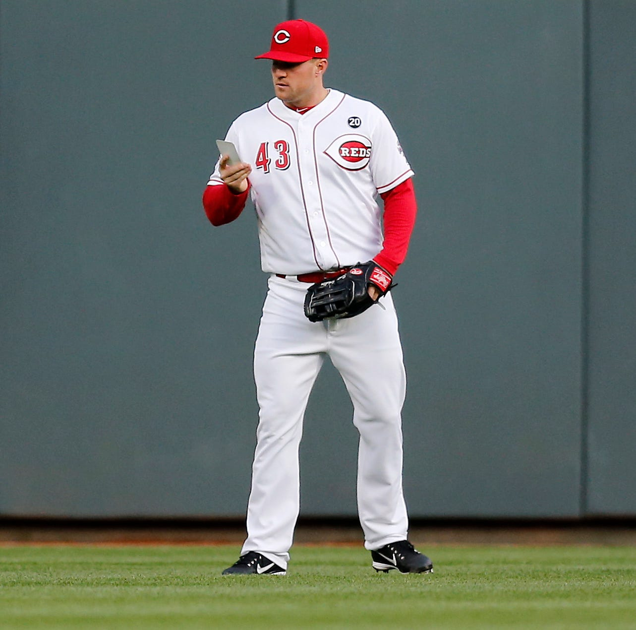 Cincinnati Reds outfielders gain a defensive edge with pockets full of information