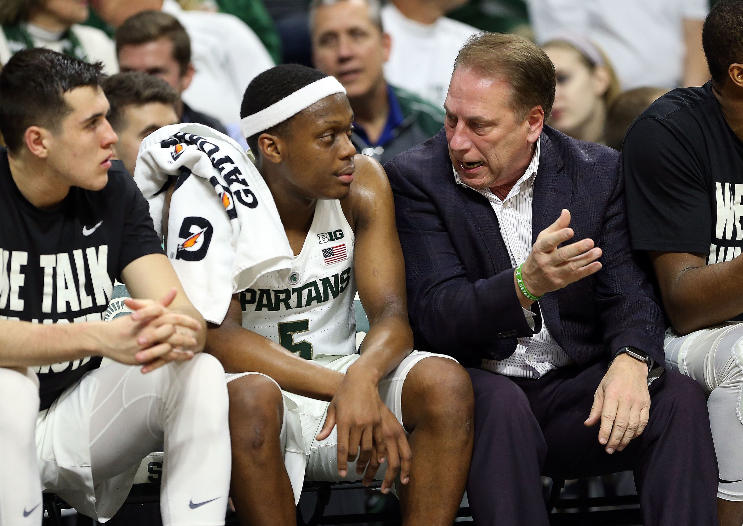 Dec 18, 2017; East Lansing, MI, USA; Michigan State coach Tom Izzo talks to Cassius Winston in the first half against Houston Baptist at the Breslin Center on Dec. 18, 2017.