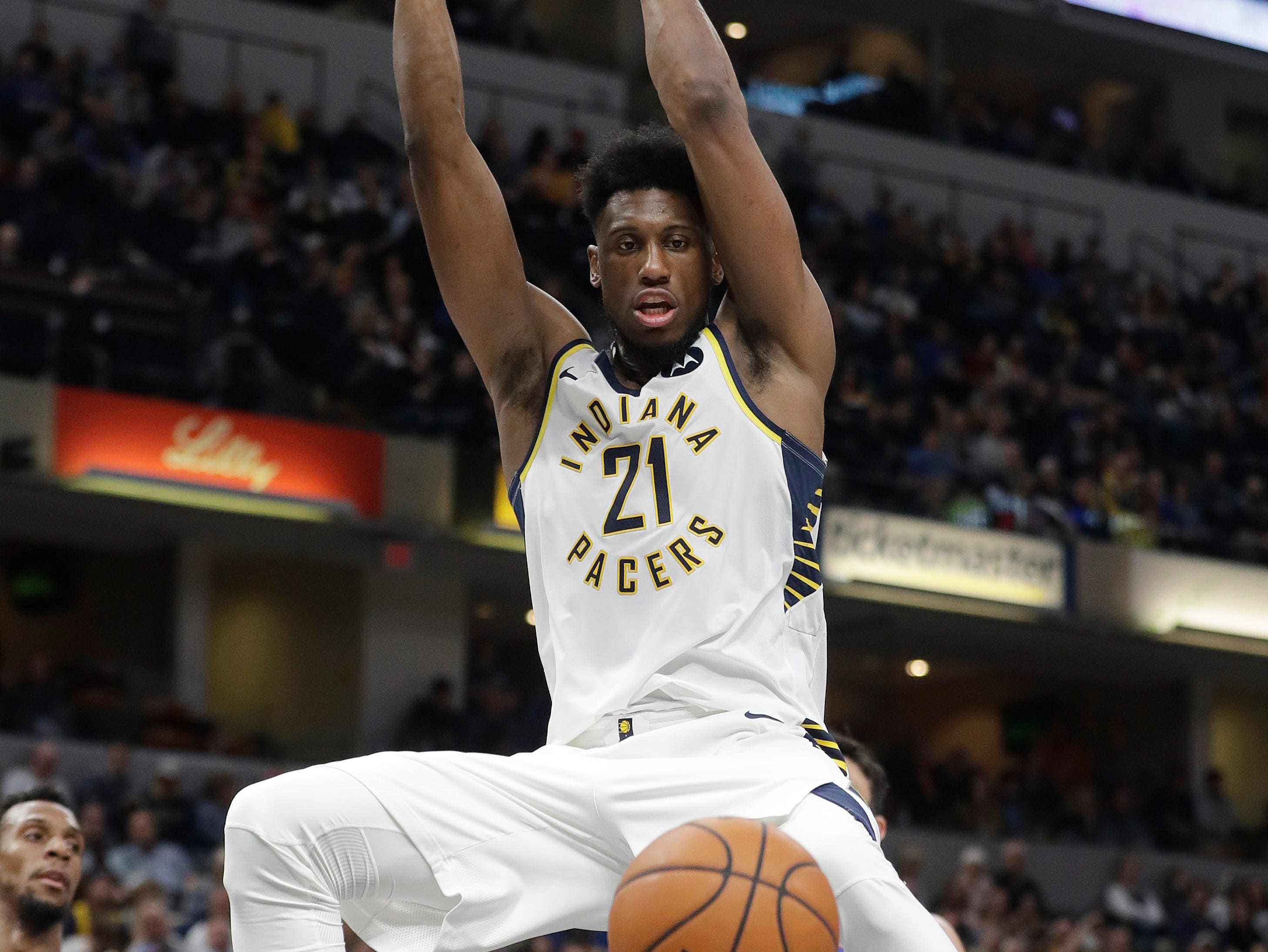 Indiana Pacers' Thaddeus Young (21) dunks during the second half.