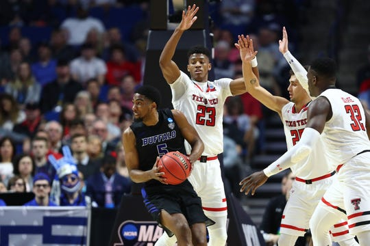 Buffalo and star guard CJ Massinburg had all sorts of trouble with Texas Tech's defense in the second round of the NCAA tournament.