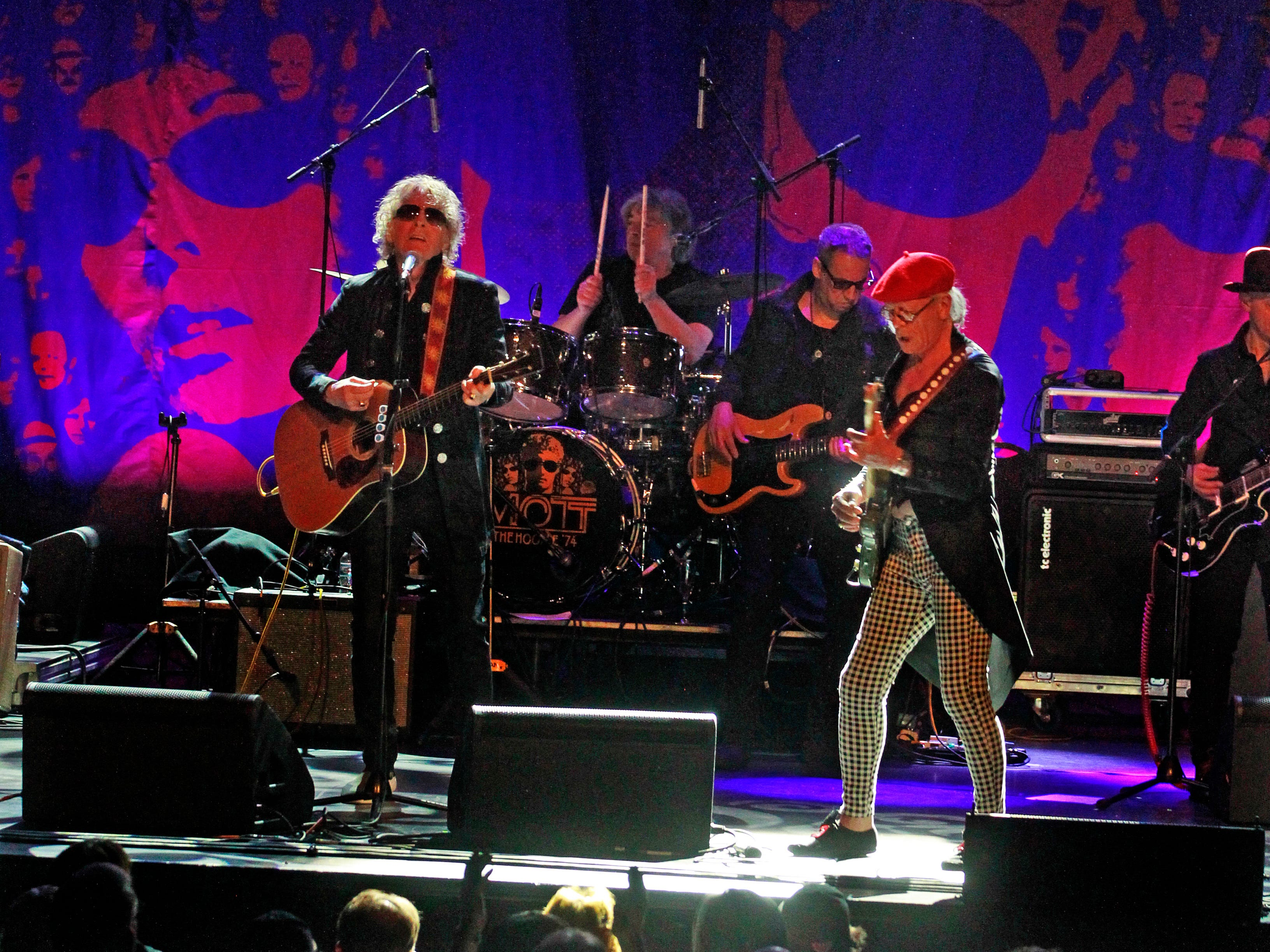 Ian Hunter, left and Ariel Bender,  right, from the Mott The Hoople, perform at the Miller High Life Theatre in Milwaukee.