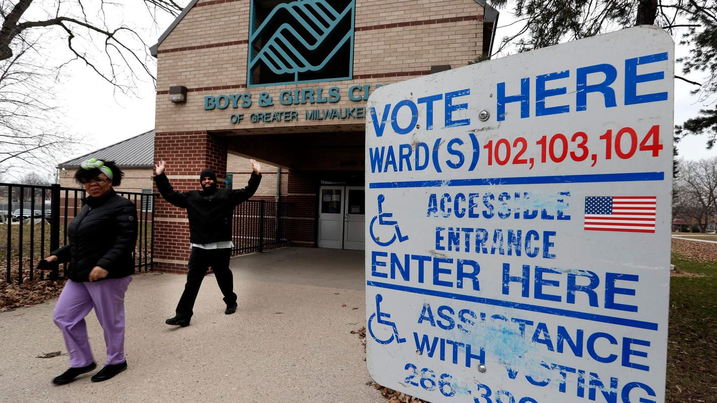 Wisconsin election officials consider loaning new equipment to towns with outdated systems