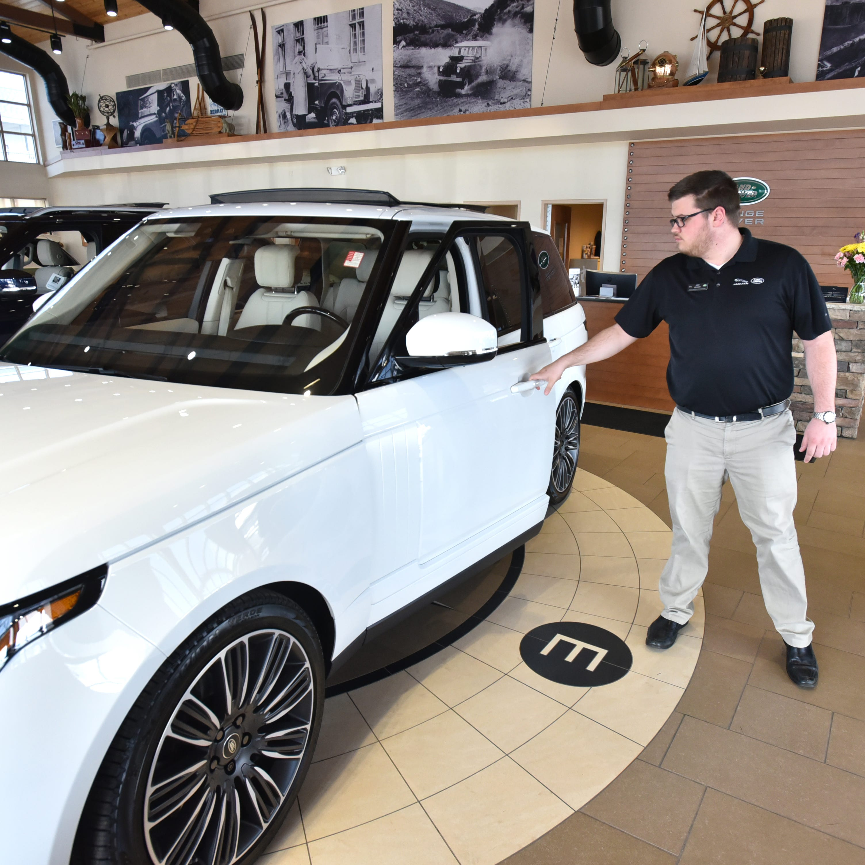 Jaguar Land Rover plans move to Novi from Farmington Hills, with huge new facility