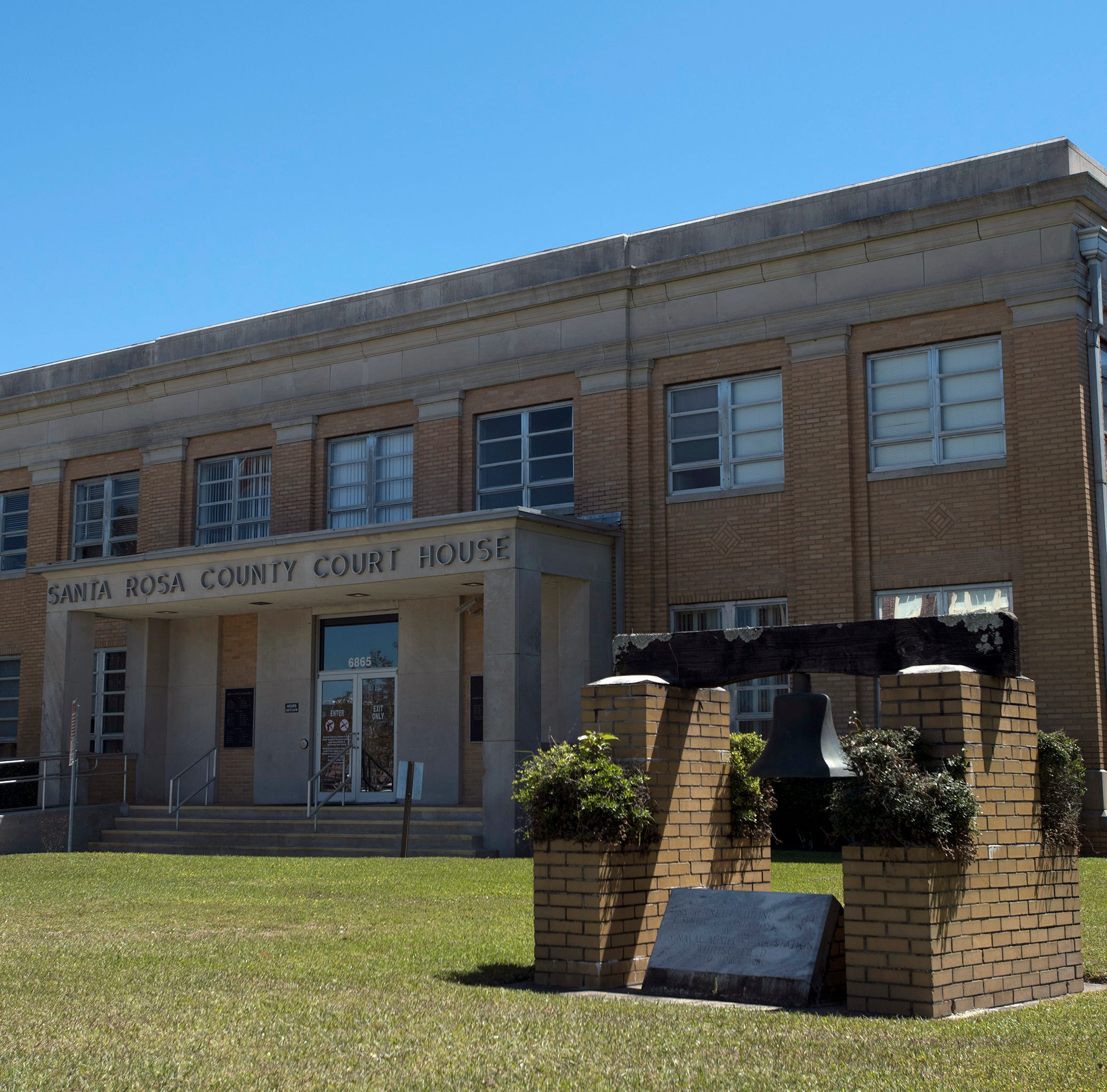 What will happen to downtown Milton when the Santa Rosa County Courthouse moves?