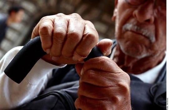 Regularizarán pensiones a adultos mayores en la CDMX.