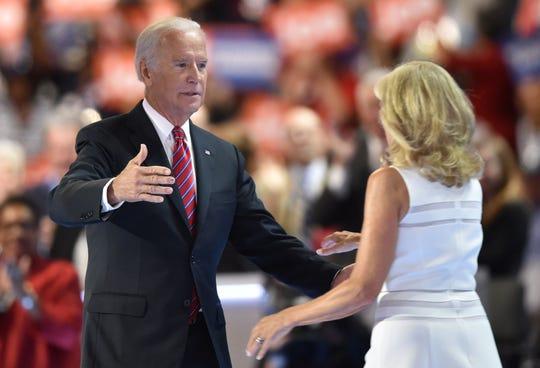 Biden dijo en un comunicado que jamás se propasó intencionalmente con una mujer a lo largo de su carrera política.