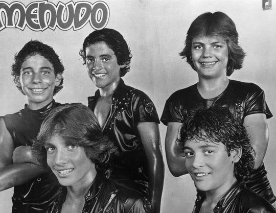 "Foto publicitaria del grupo musical puertorriqueño ""Menudo""."