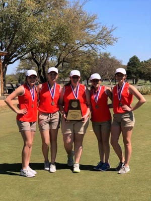 The Robert Lee High School girls golf team won the District 11-1A team championship in 2019.
