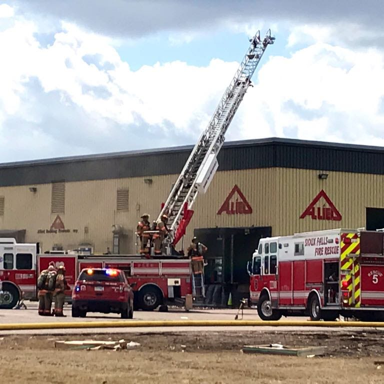 Forklift accident causes north Sioux Falls fire, roof collapse, authorities say