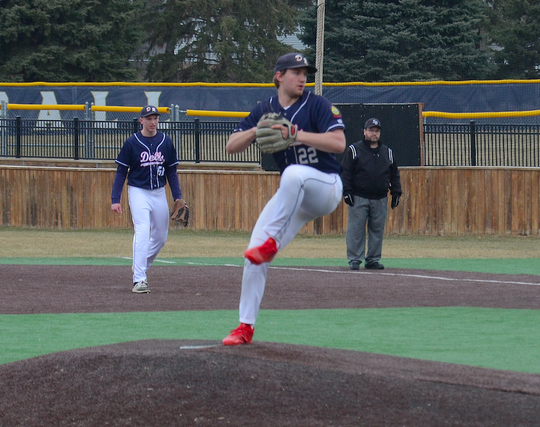 Eddie Price pitches against Sioux Falls Lincoln on Monday, April 1, 2019 at Augustana University.
