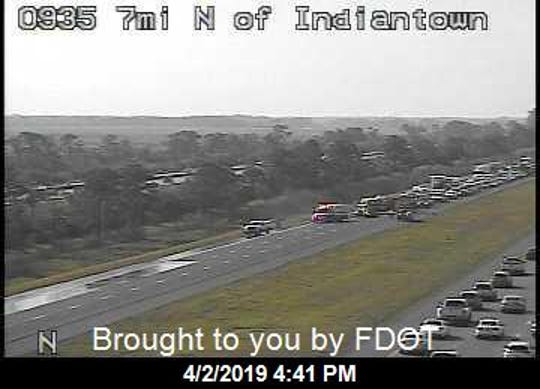 Crash causes blocked lane on I-95 in Hobe Sound