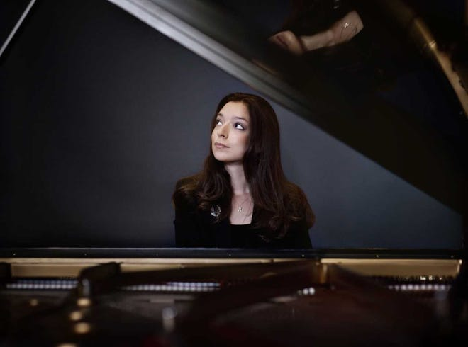 "Chopin competition winner Yulianna Avdeeva will perform Chopin's Piano Concerto No. 2 in the New West Symphony's concert series ""Indescribable Beauty."" Shows will be April 6 at the Thousand Oaks Civic Arts Plaza and April 7 at the Oxnard Performing Arts Center."