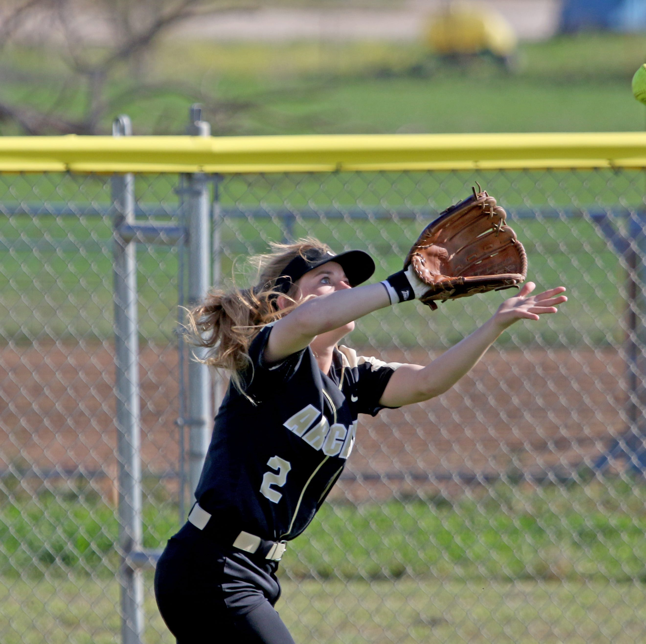TRN area high school sports scoreboard (April 2)