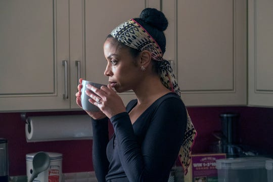 Beth tries to find a way to balance her marriage to Randall and her career dream in Tuesday's episode of 'This Is Us.'