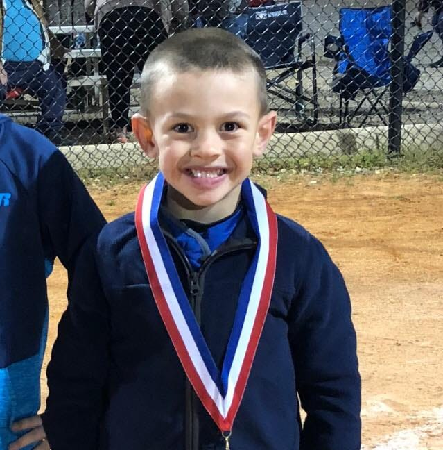 6-year-old Georgia boy dies of heart attack while taking photos with his baseball team