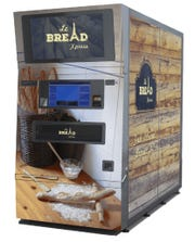 Le Bread Express, a growing robot-driven kiosk in France, is taking root in San Francisco, where foodies get to have their French bread baked within minutes of pushing buttons.