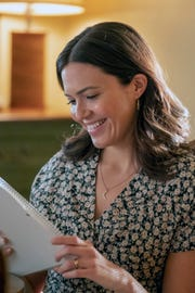 Rebecca (Mandy Moore) is central to events past, present and future in Tuesday's Season 3 finale of NBC's' 'This Is Us.'