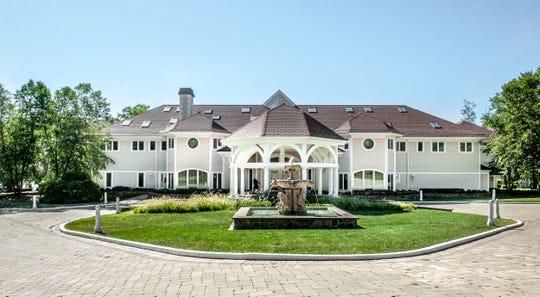 The rapper 50 Cent sold his Farmington, Connecticut mansion for $2.9 million.