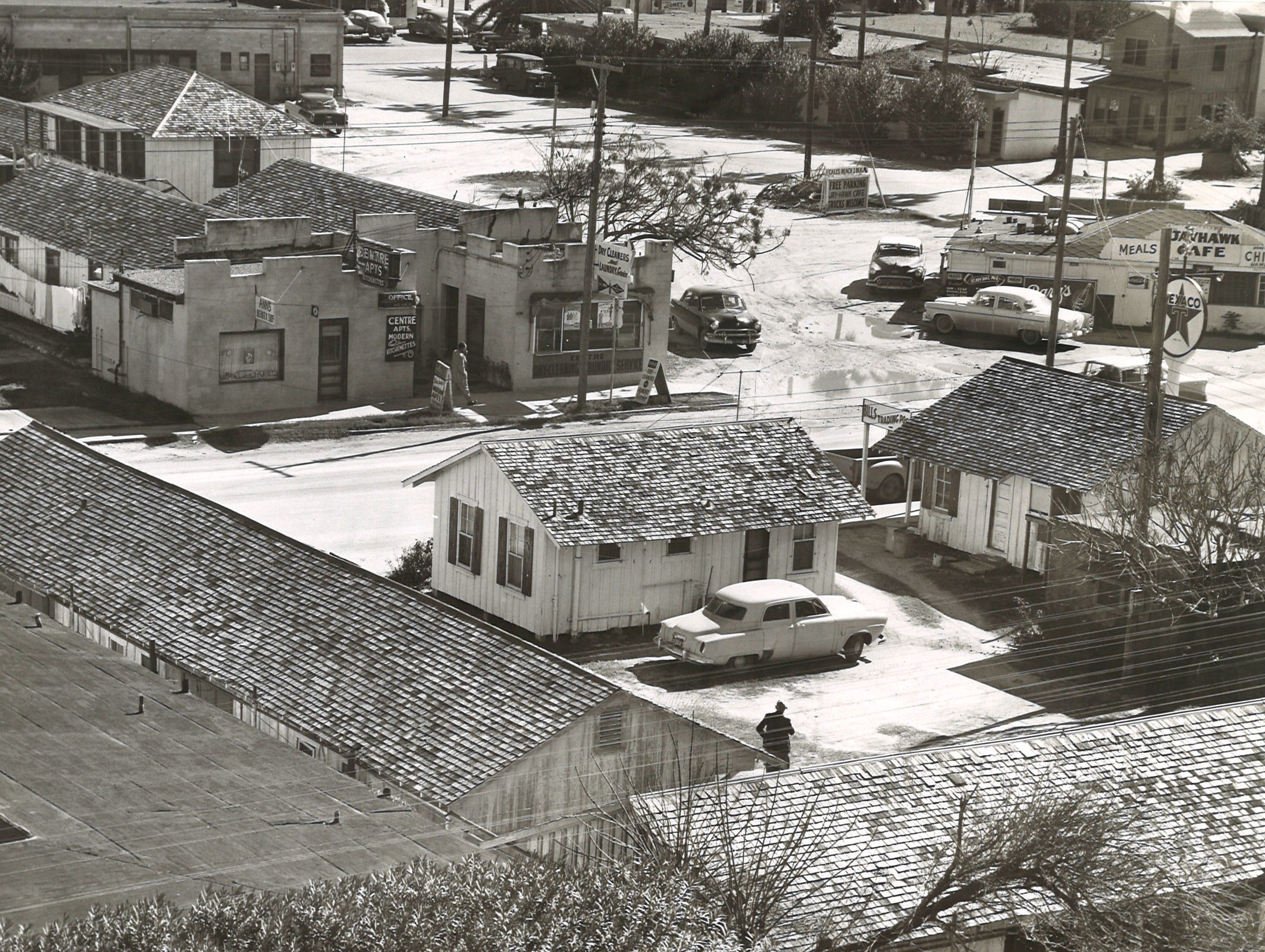 A bird's eye view of the 2900 block of North Water Street on Corpus Christi's North Beach in January 1959