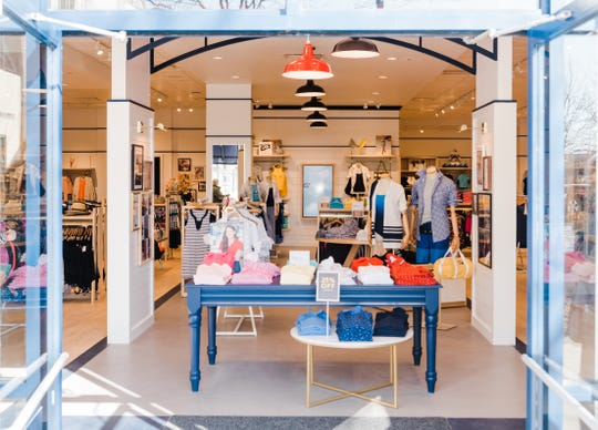 Lands' End, a Wisconsin-based apparel chain, plans to open its first South Jersey store in Cherry Hill.