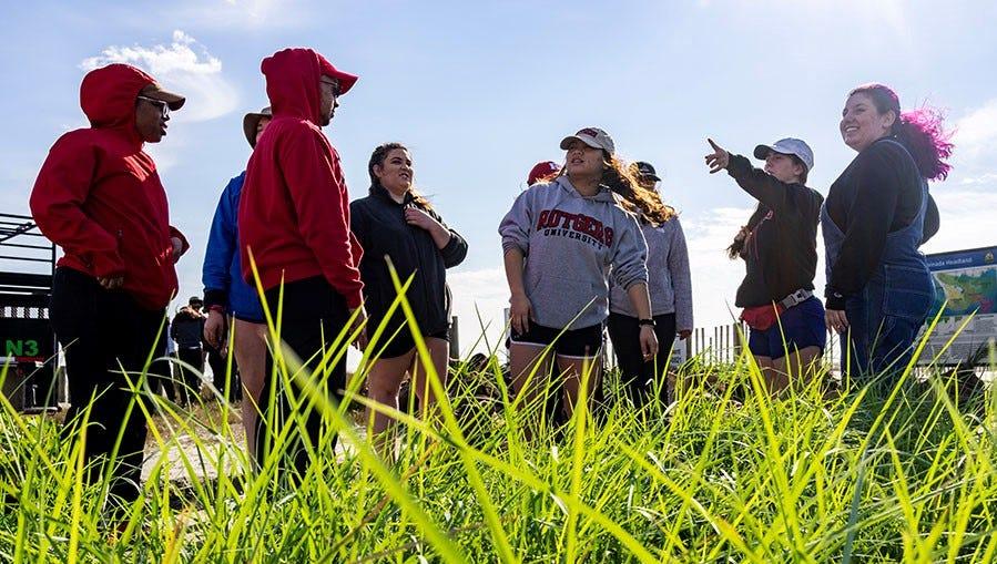 Rutgers University students dedicate spring break to protecting wetlands
