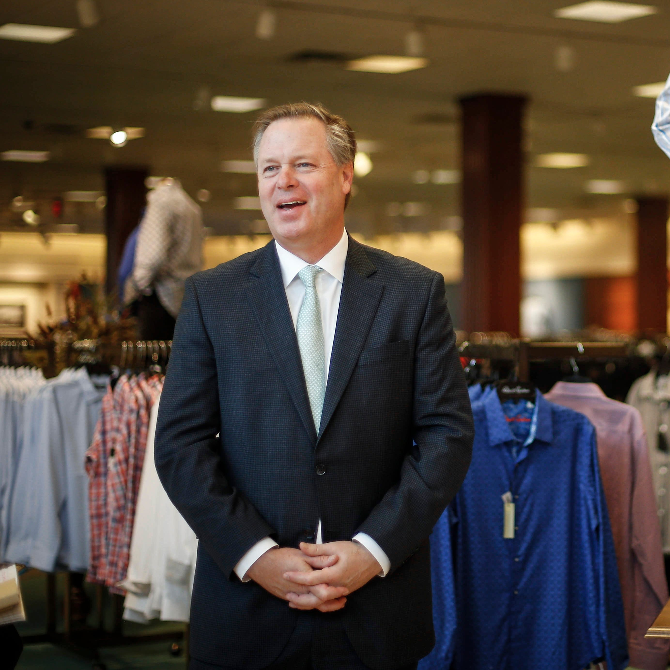 Von Maur hitting its stride while 'retail apocalypse' rattles brick-and-mortar peers