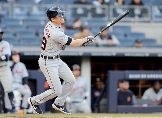 Gordon Beckham hits a solo home run in the eighth inning Wednesday in New York.