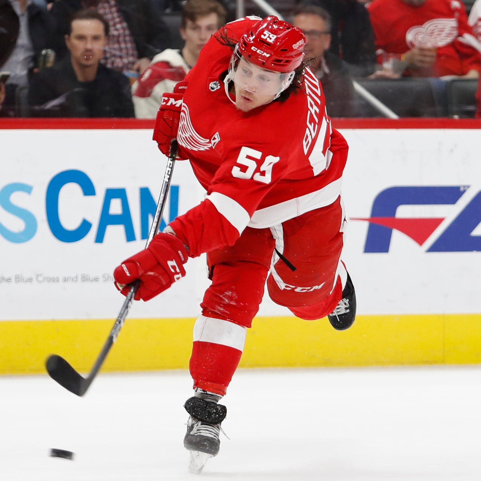 Detroit Red Wings' hot streak continues with win over Penguins