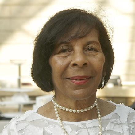Roberta Hughes Wright, widow of museum founder, dies