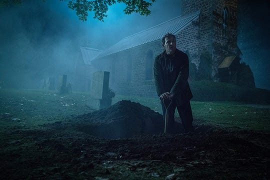 "Jason Clarke is Louis, an ER doctor who faces life and death issues, in ""Pet Sematary."""