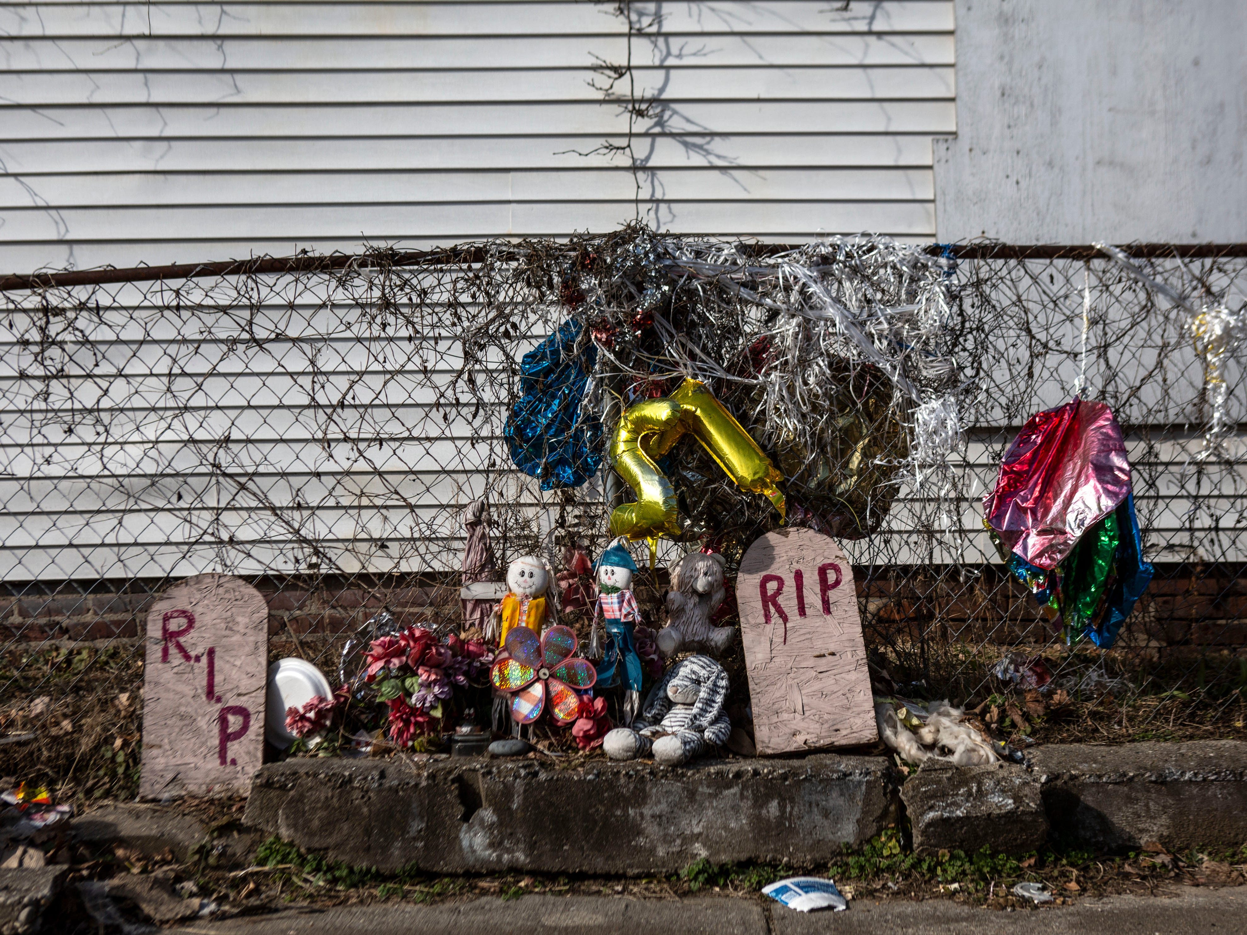 Marcellus Spaulding Jr., 25, was shot and killed in October 2017 at 24th Street near Elliott Avenue, in Louisville's Russell neighborhood. This memorial is thought to have been erected his honor near the site of the shooting. Jan 11, 2019.