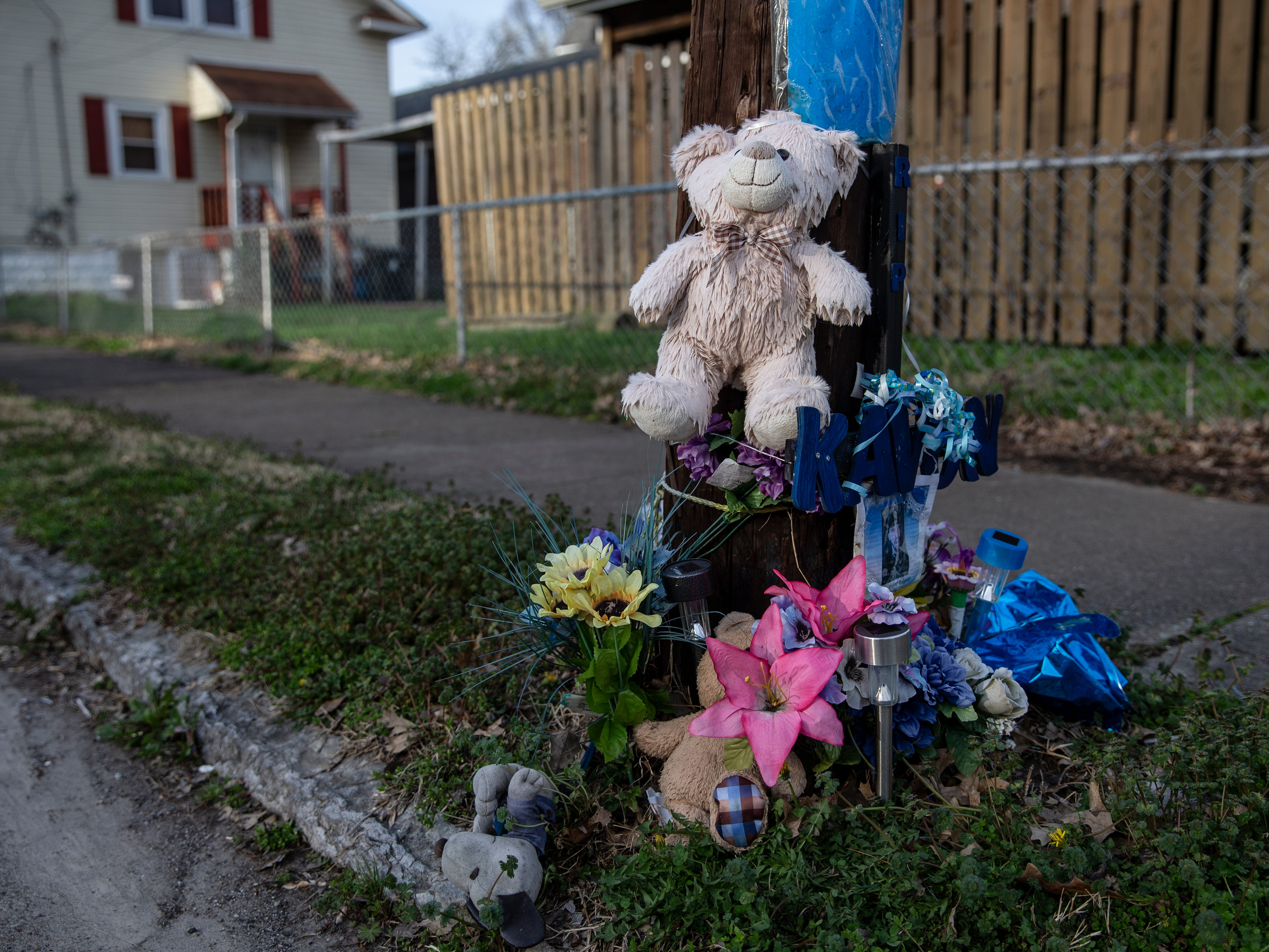 A makeshift memorial for Kontar Dwayne Roberson, 37, who was shot and killed on South 23rd Street near Garland in 2017.  April 3, 2019.