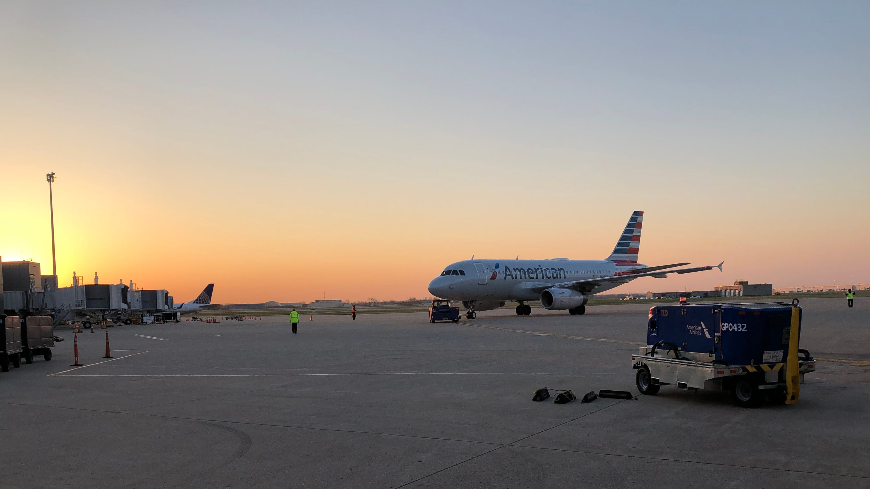 American Airlines Offers Direct Flight From La To Louisville
