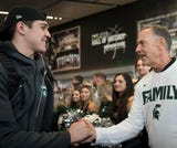 Watch as the Michigan State men's basketball team leaves Breslin Center and leaves for the Final Four.