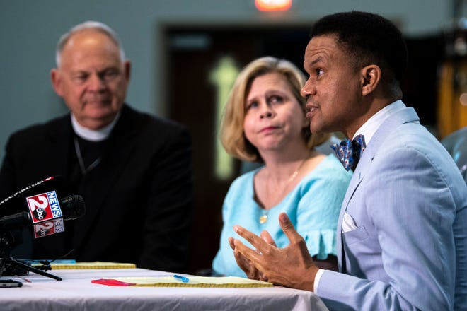 Pastor Furman F. Fordham II, of Riverside Chapel Seventh-day Adventist Church, speaks during a news conference Wednesday asking Gov. Bill Lee to commute Donnie Edward Johnson's death sentence. Johnson, 68, was sentenced for killing his wife in 1984.
