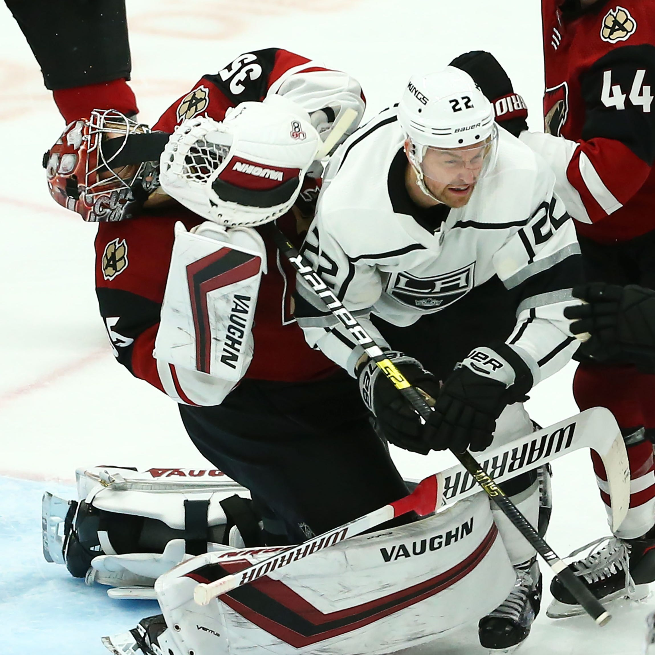 Insult and injury: Darcy Kuemper, Coyotes suffer blow to playoff hopes with loss to Kings