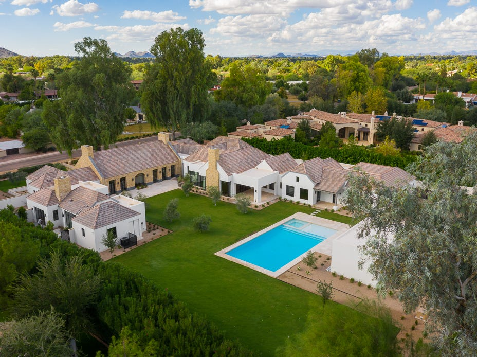 David and Camilla Martin paid $5.67 million for this luxury estate in Paradise Valley.