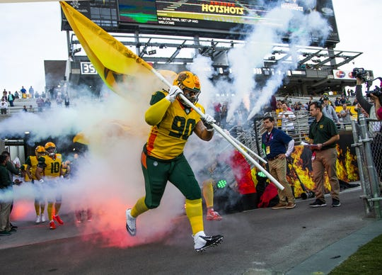 The Arizona Hotshots played eight games.
